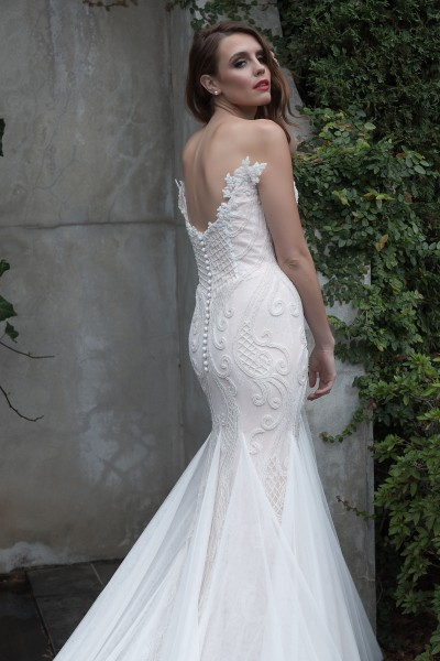 Elegant Fitted Wedding Dress Melbourne