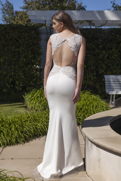 Seon - Couture Collection - Romantic Fitted Two-tone Wedding Dress